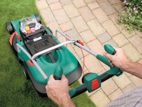 Rotak 43 LI Cordless Lawnmower. Photograph courtesy of Bosch Lawn & Garden